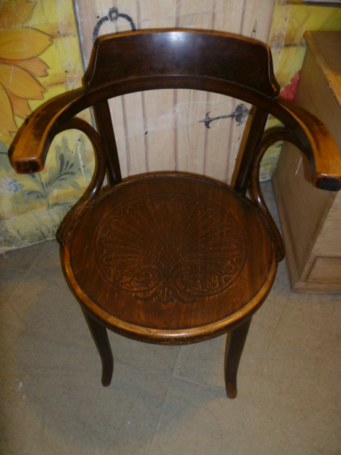 Related Antiques - Antique Bentwood Carver Chair - Eras Of Style Eras Of Style