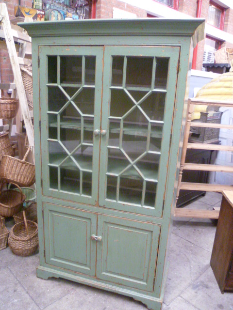 VINTAGE DISPLAY CABINET WITH THE ORIGINAL PAINT & VINTAGE DISPLAY CABINET WITH THE ORIGINAL PAINT - Eras of Style ...