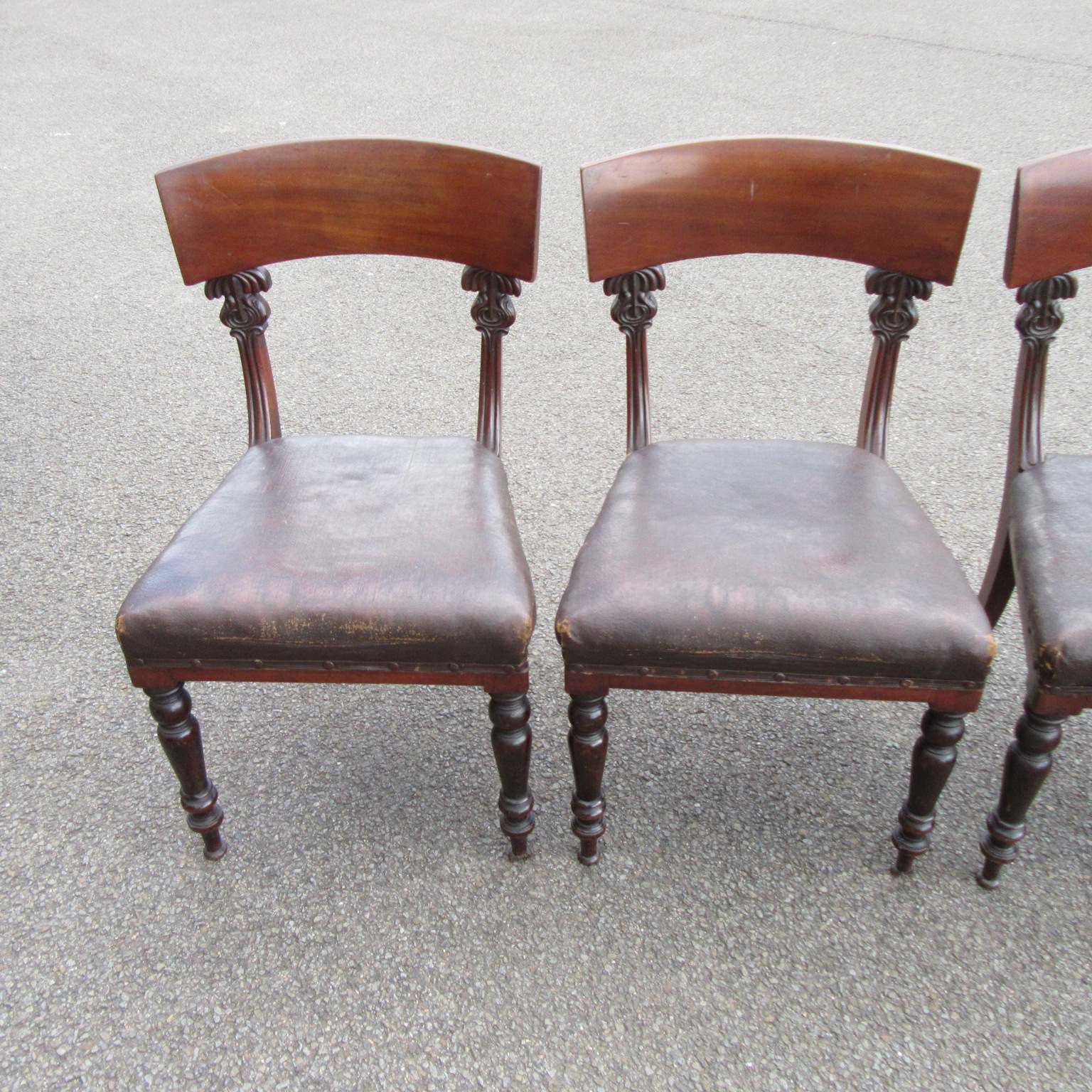 SET OF FOUR ANTIQUE EARLY VICTORIAN MAHOGANY DINING CHAIRS Eras