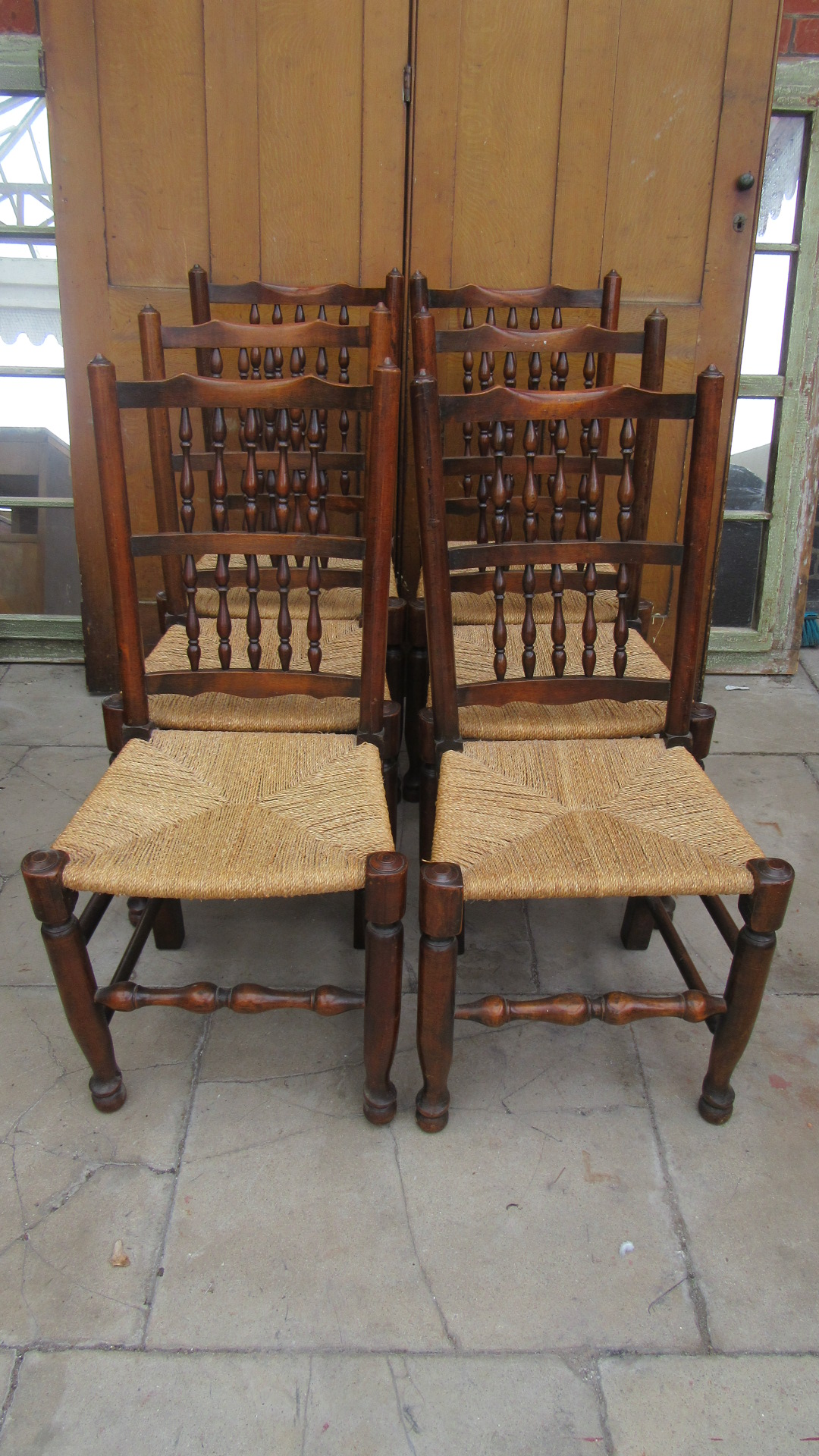 SET OF SIX COUNTRY SPINDLE BACK DINING CHAIRS