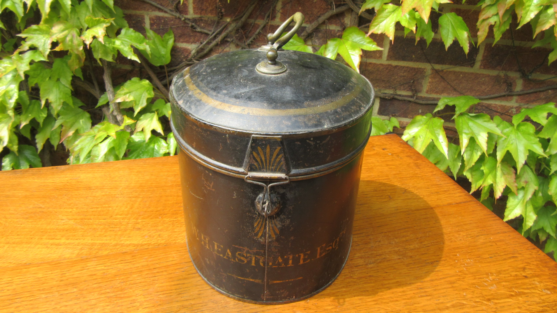 ANTIQUE BARRISTERS TOLE WARE WIG TIN