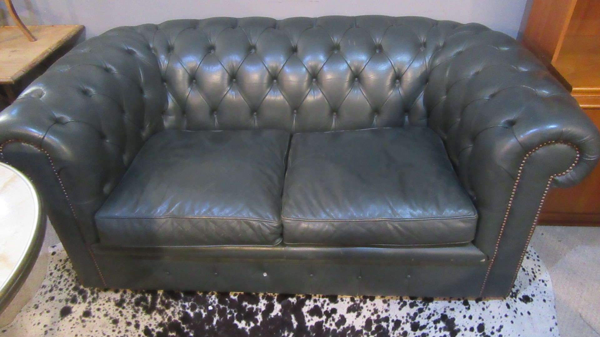 VINTAGE DEEP BUTTONED LEATHER CHESTERFIELD