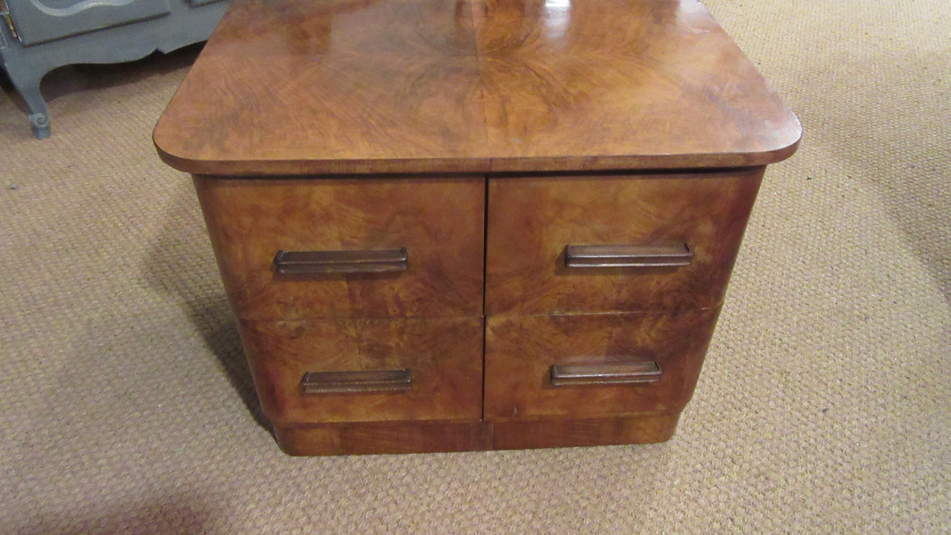 ANTIQUE ART DECO WALNUT CHEST OF DRAWERS