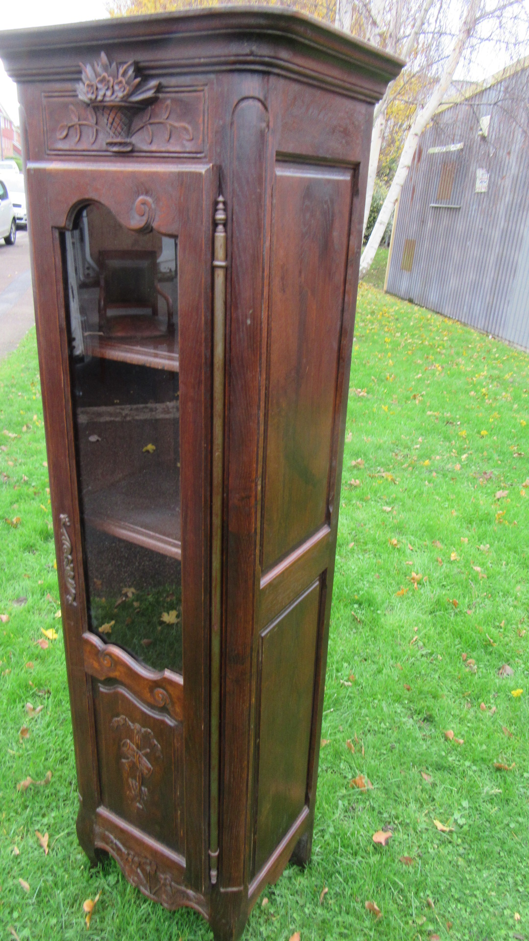ANTIQUE FRENCH OAK CUPBOARD