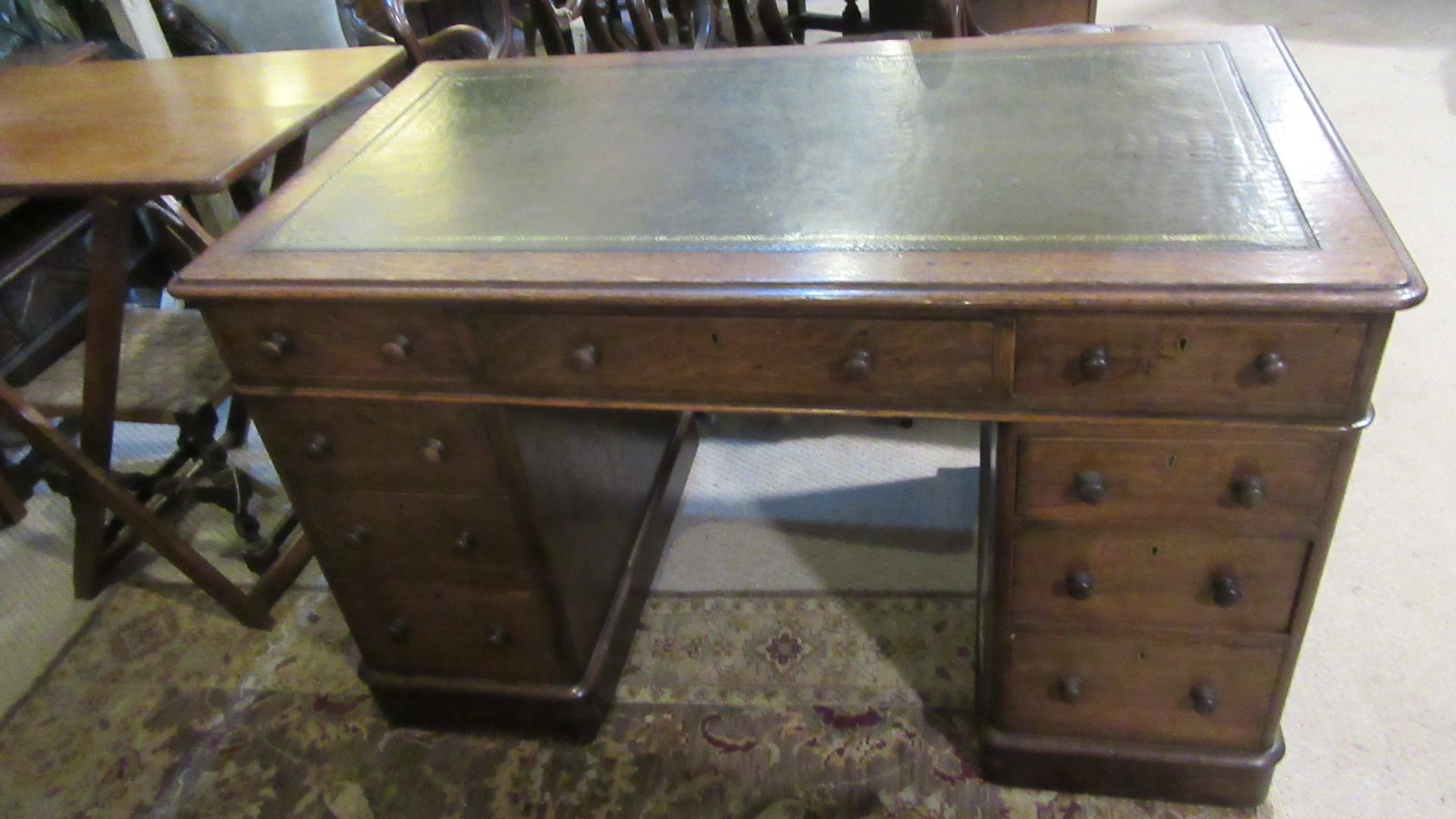 ANTIQUE VICTORIAN OAK PEDESTAL WRITING DESK