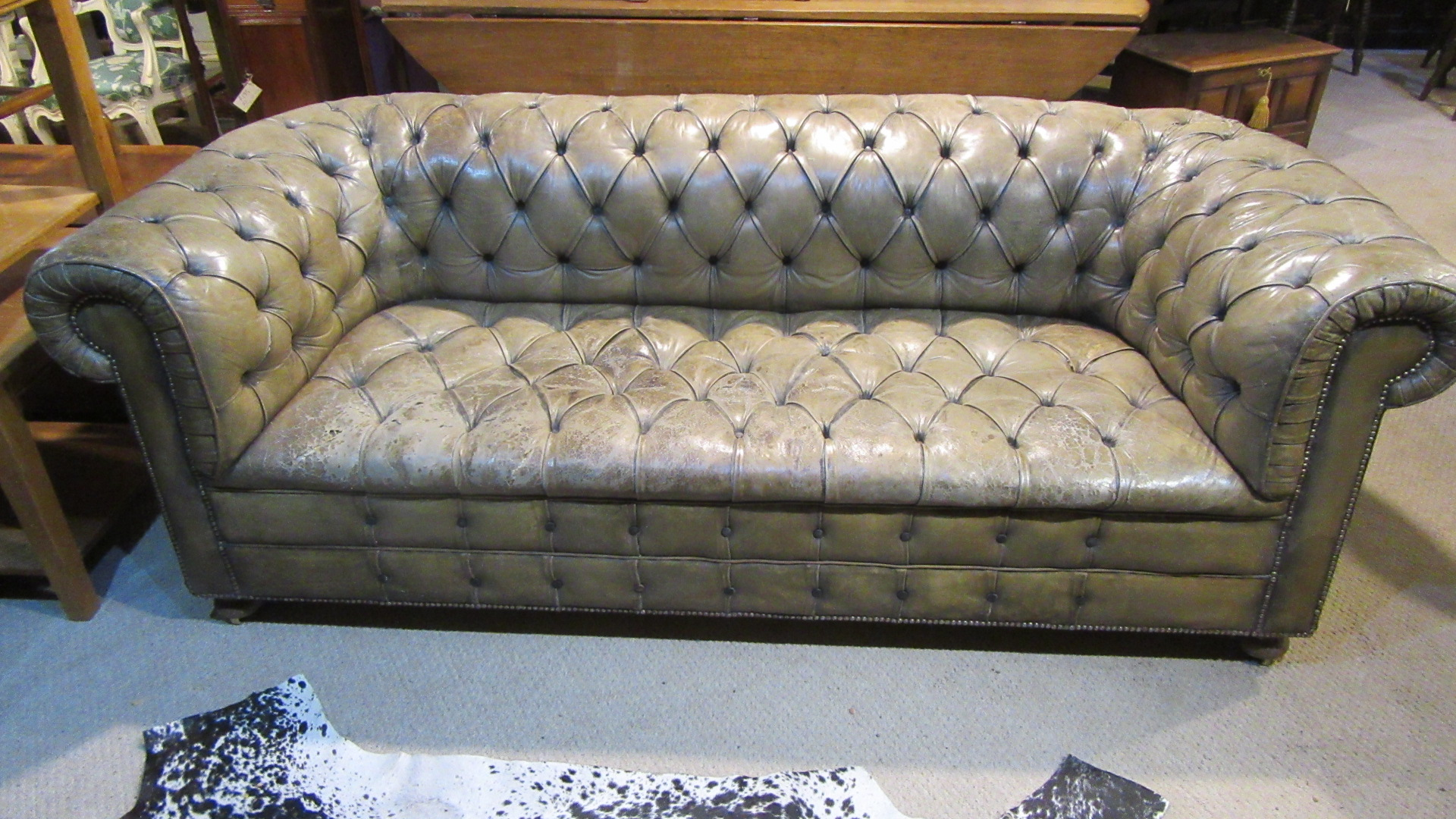 ANTIQUE EDWARDIAN DEEP BUTTONED LEATHER CHESTERFIELD SOFA