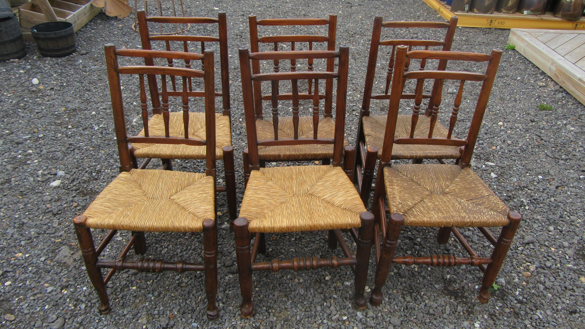 SET OF SIX ANTIQUE COUNTRY SPINDLE BACK DINING CHAIRS