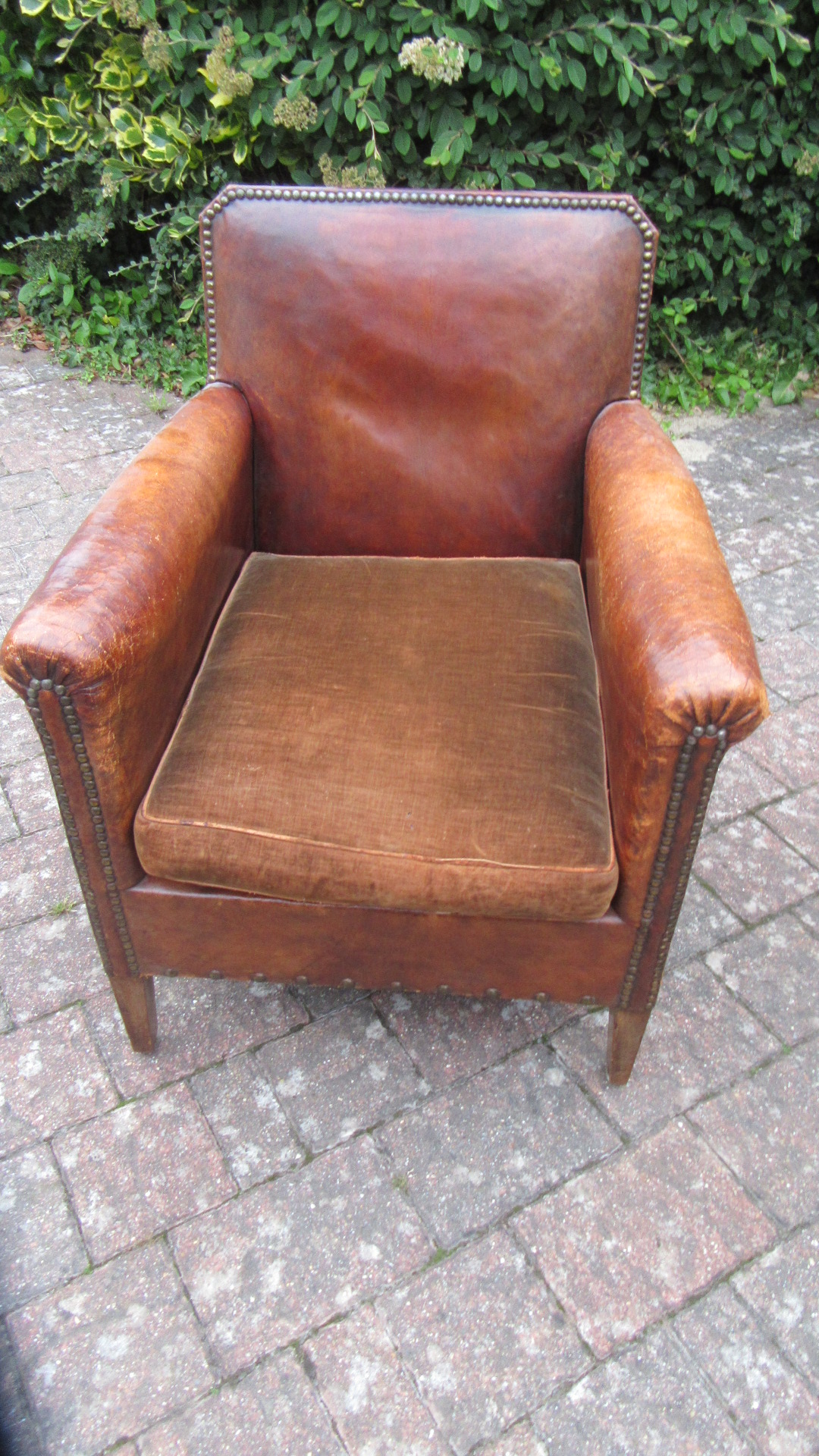 ANTIQUE FRENCH LEATHER CLUB ARMCHAIR