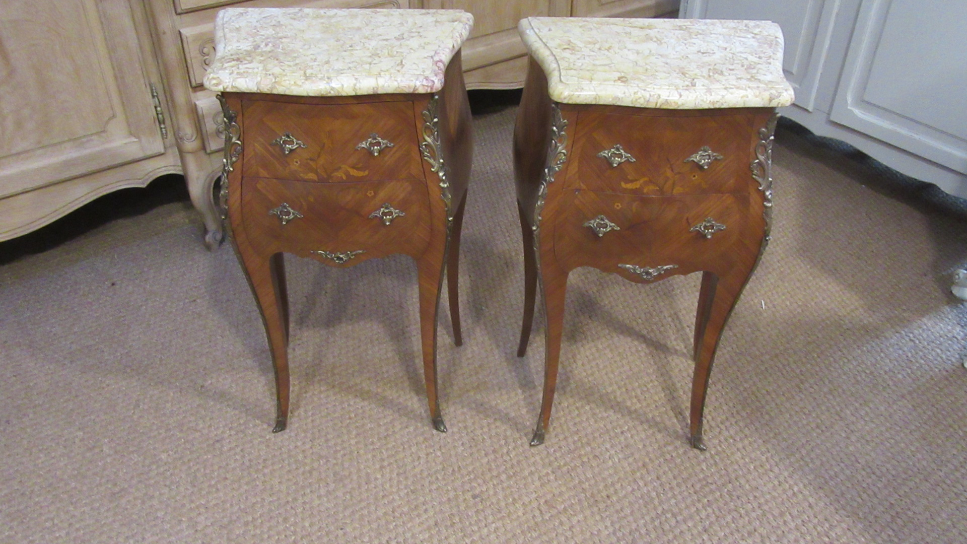 PAIR OF LOUIS XV STYLE INLAID BEDSIDE CHESTS