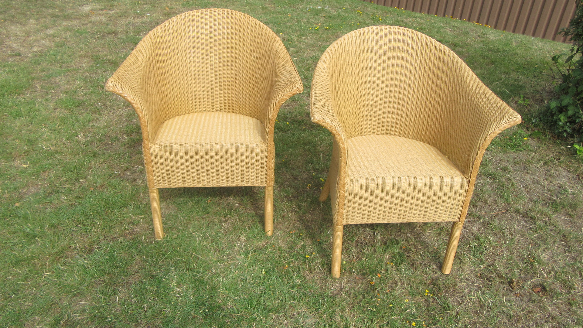 PAIR OF LUSTY LLOYD LOOM ARMCHAIRS