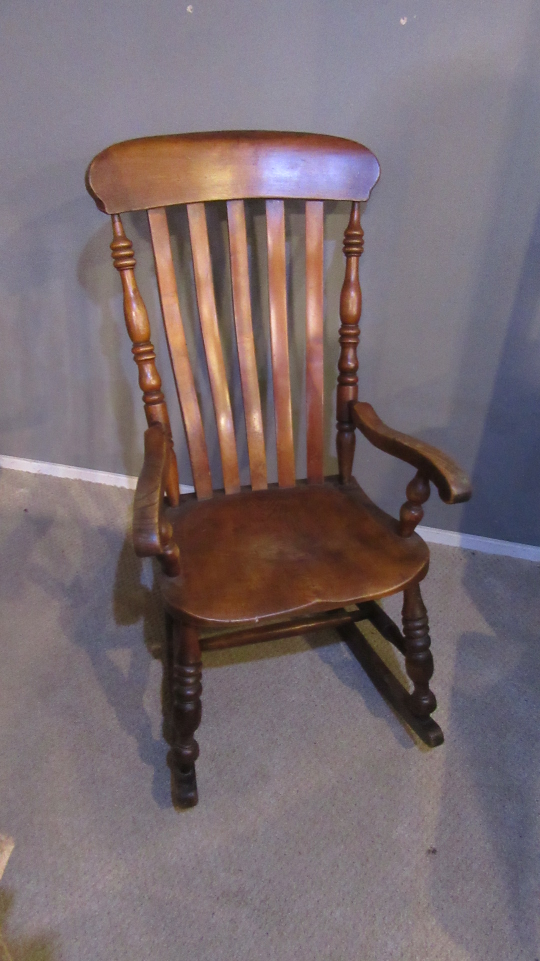 ANTIQUE VICTORIAN COUNTRY ELM ROCKING CHAIR
