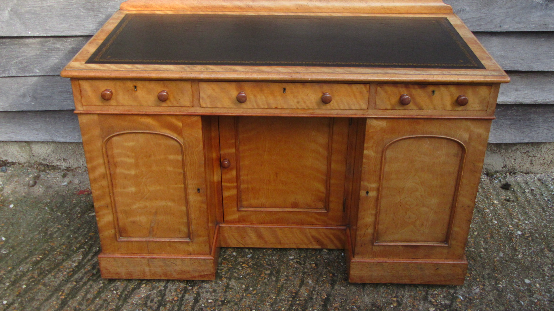ANTIQUE VICTORIAN SATINWOOD WRITING DESK