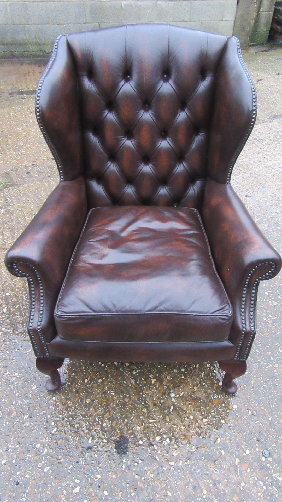 VINTAGE SMALL SIZE QUEEN ANNE STYLE LEATHER WING ARMCHAIR