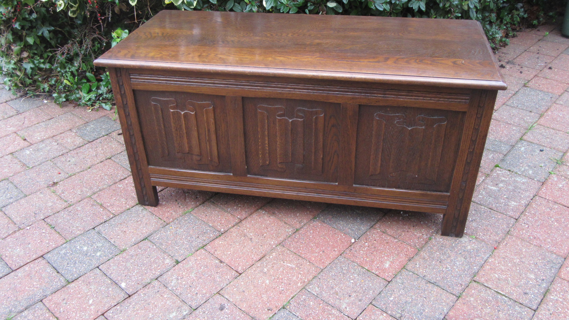 ANTIQUE OAK LINENFOLD BLANKET BOX