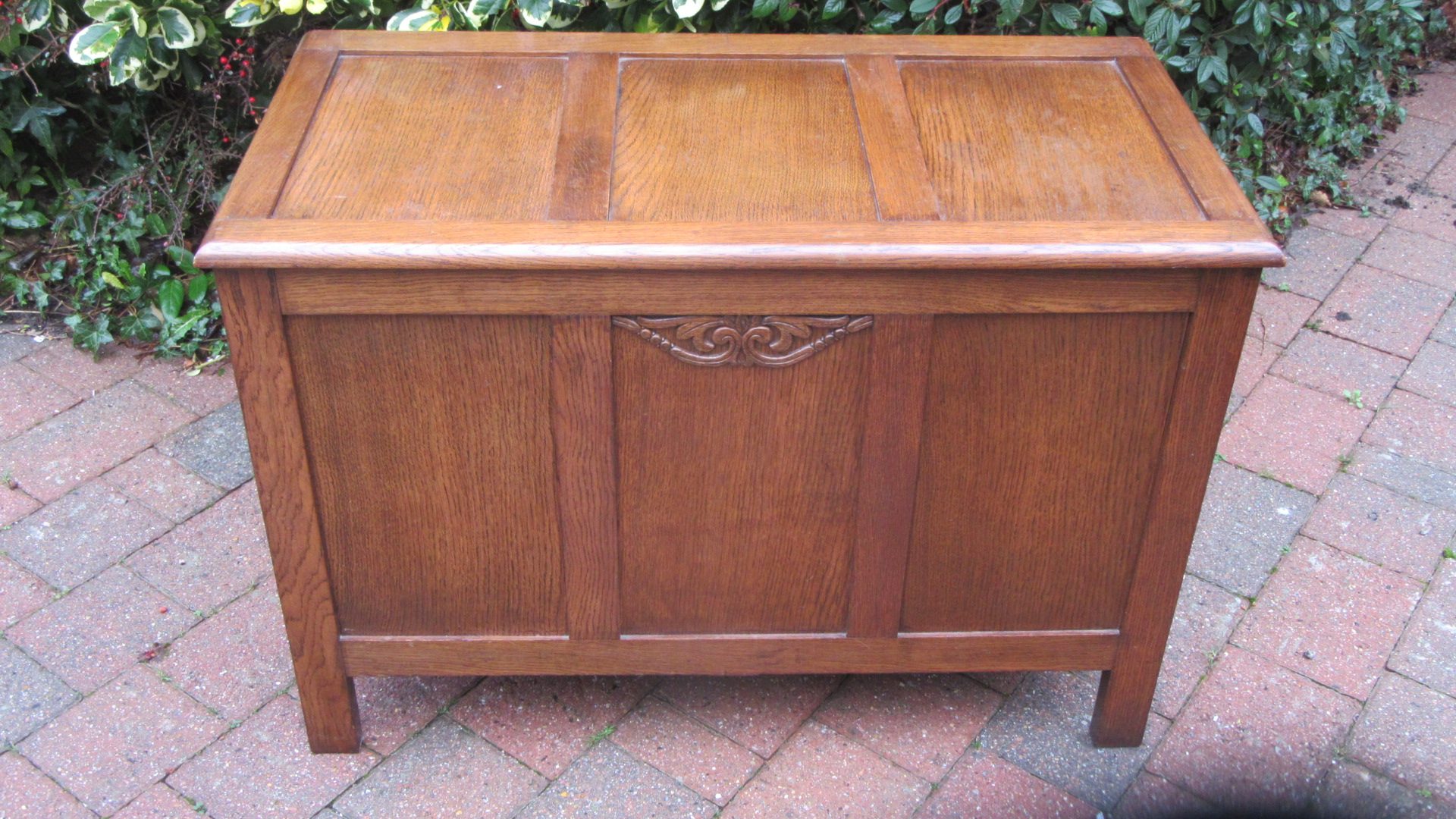 VINTAGE 1930S OAK BLANKET BOX