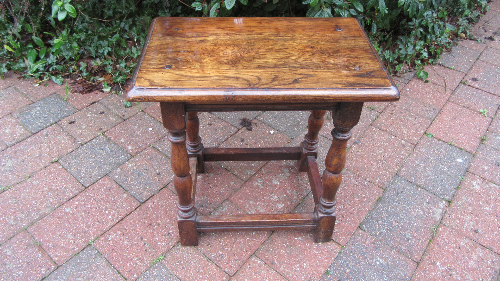 IPSWICH OAK JOINT STOOL