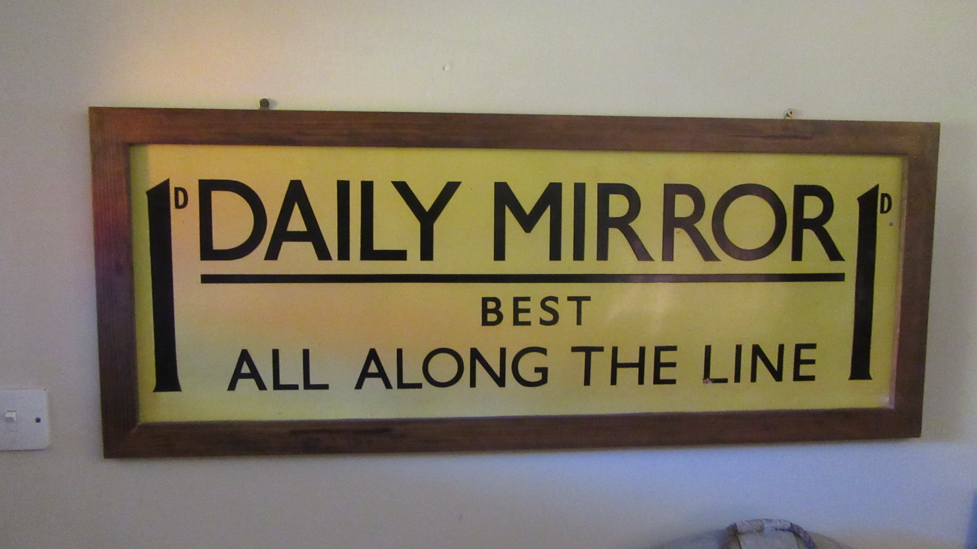 ANTIQUE DAILY MIRROR ALL ALONG THE LINE ENAMEL ADVERTISING SIGN
