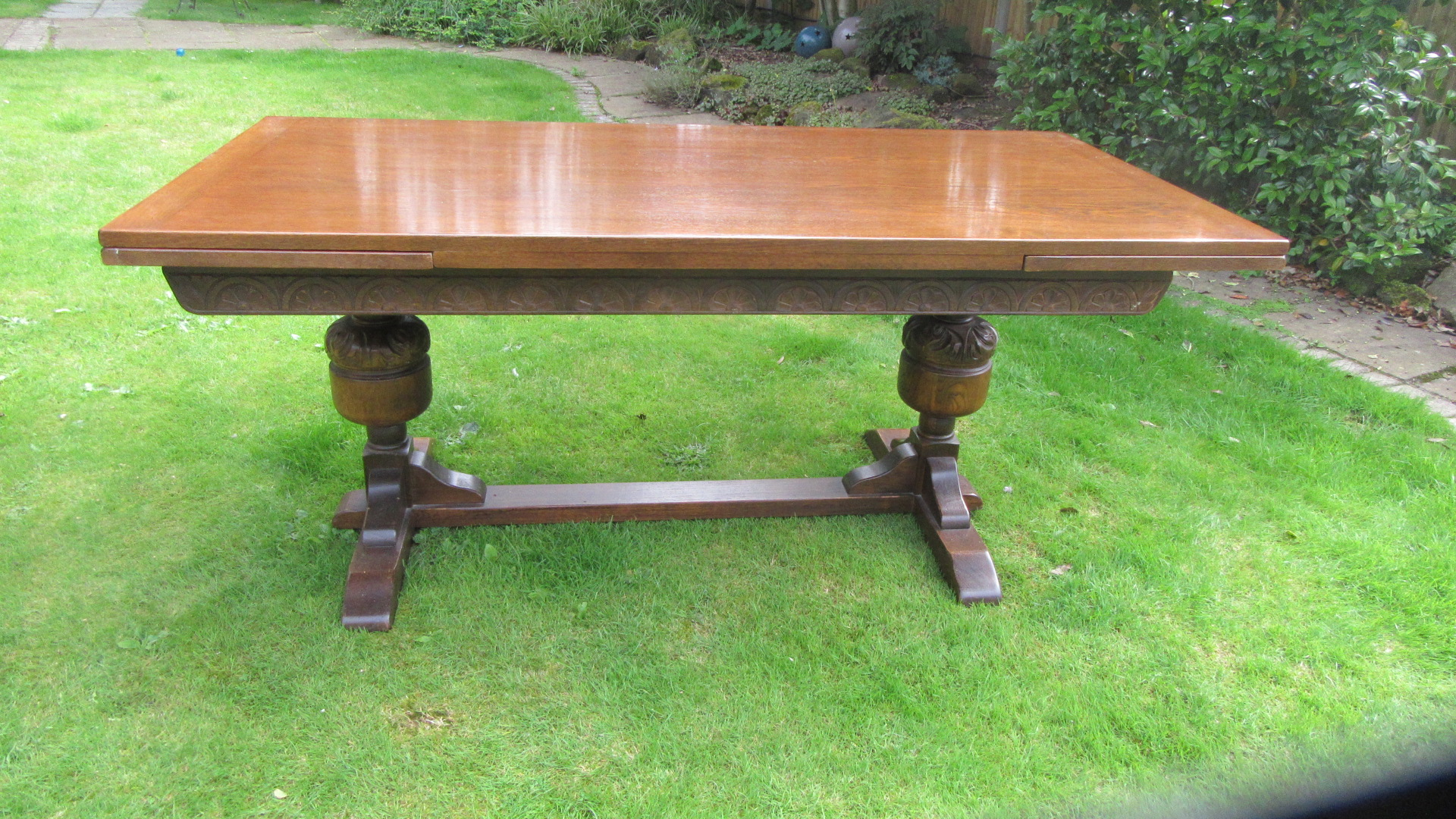 ANTIQUE JACOBEAN STYLE OAK DRAW LEAF DINING TABLE